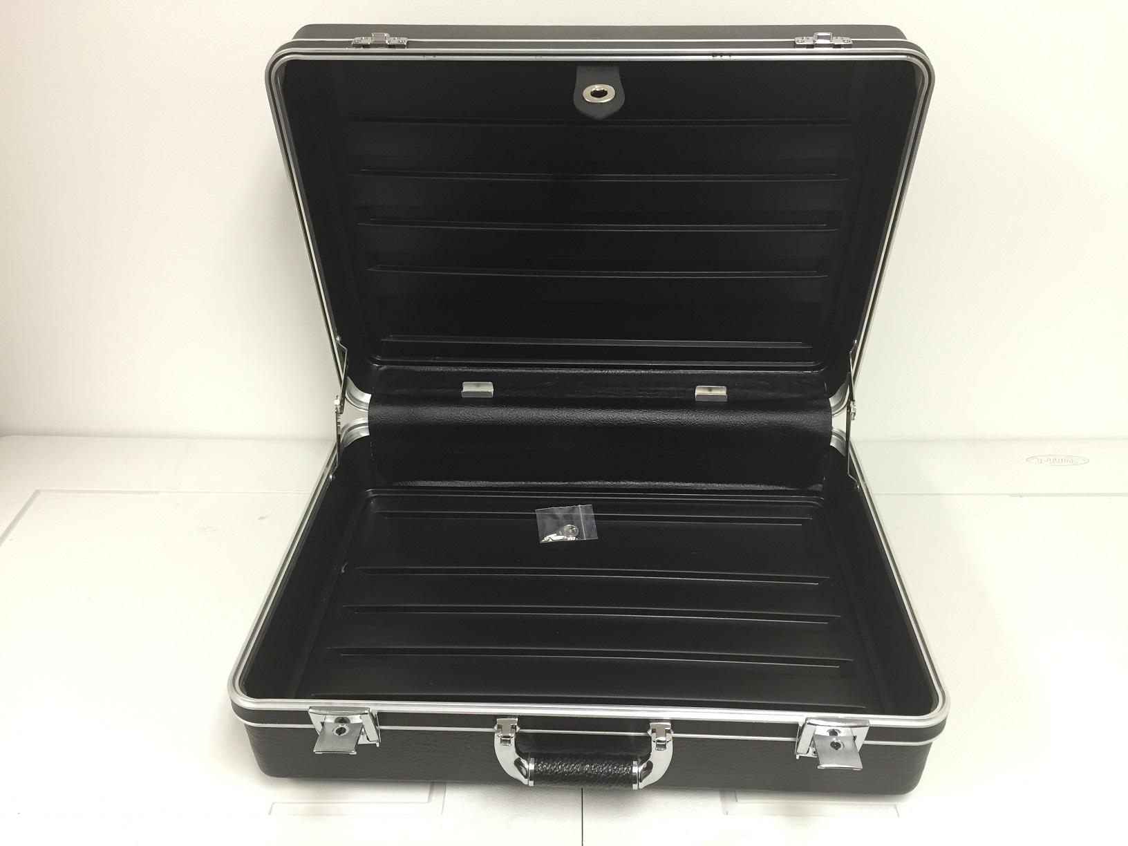 fs-black-case-4