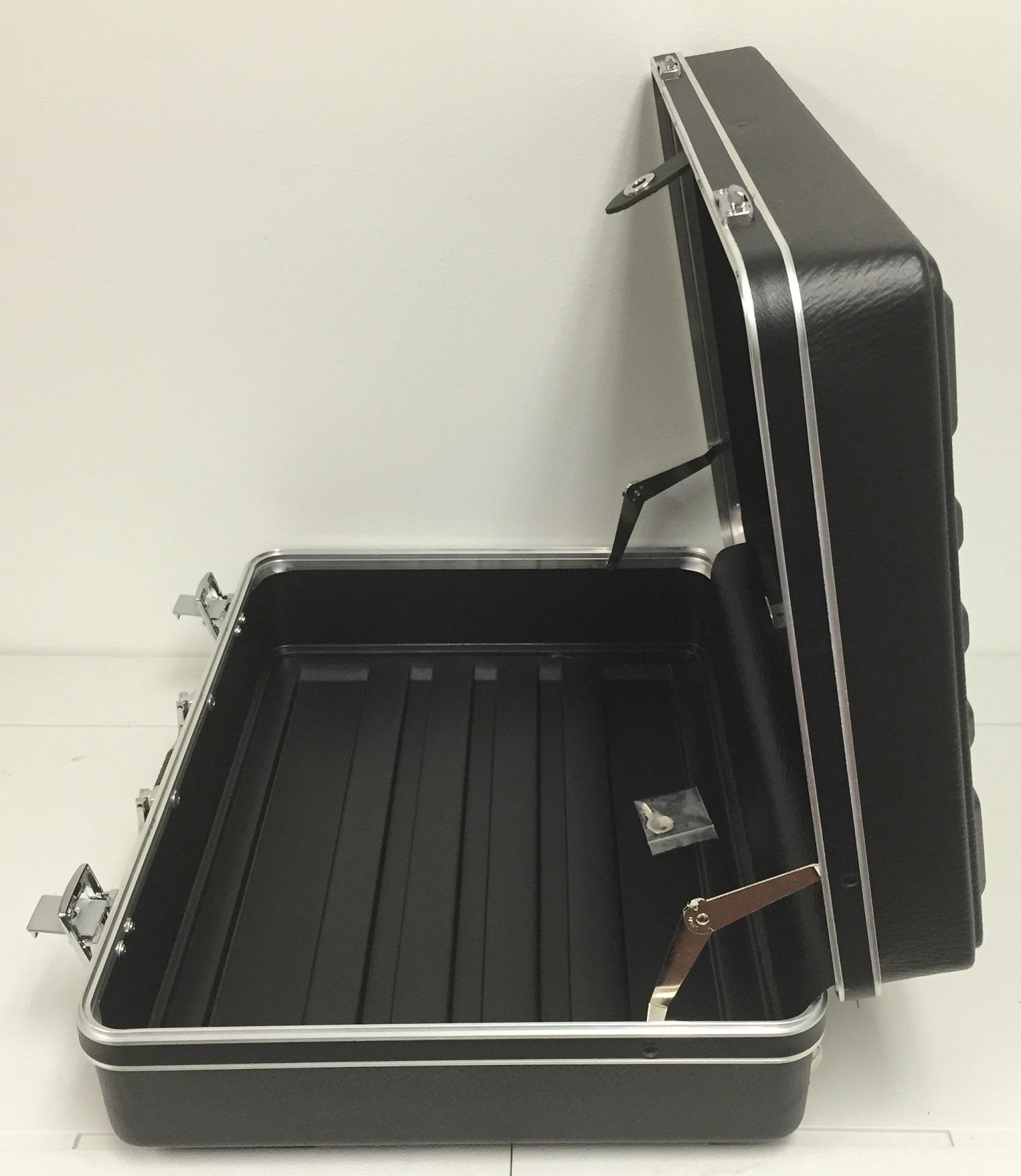 fs-black-case-5
