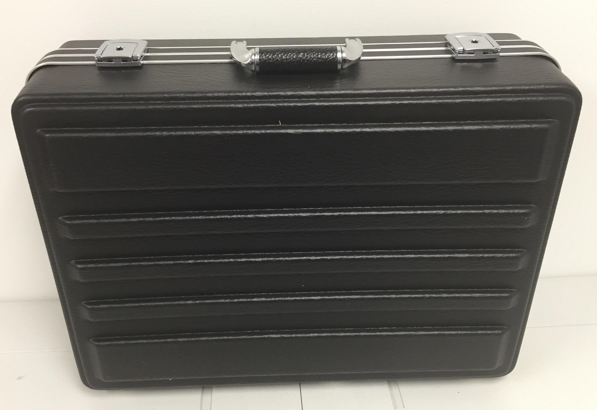 fs-black-case-7