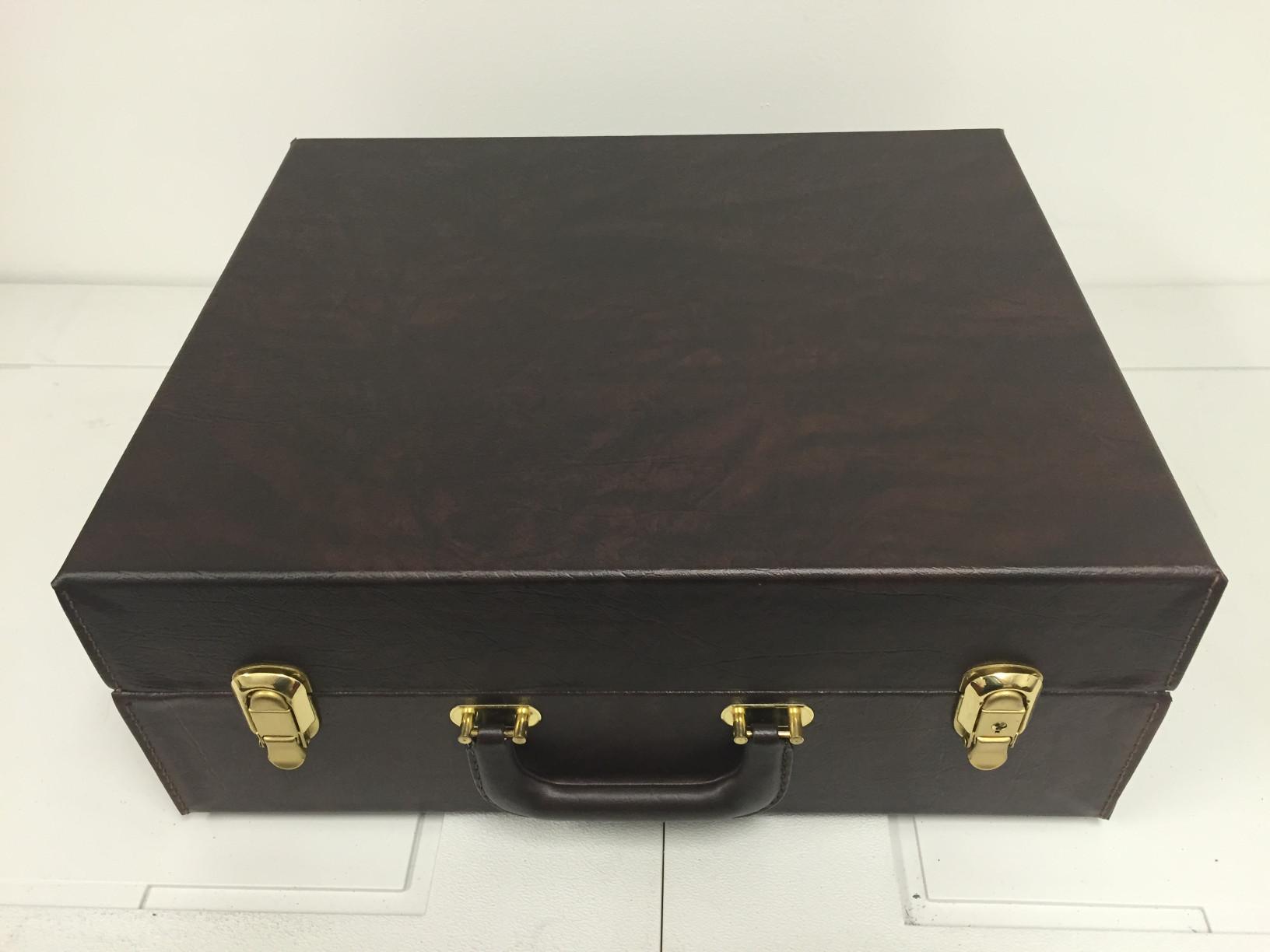 fs-brown-case-01