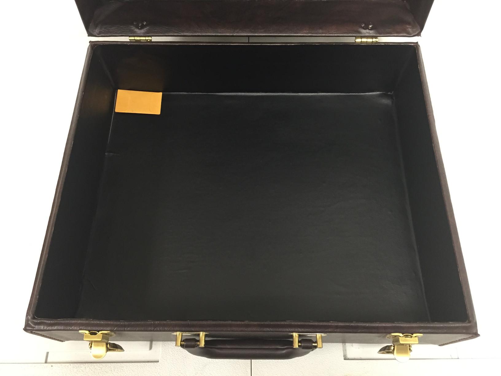 fs-brown-case-05