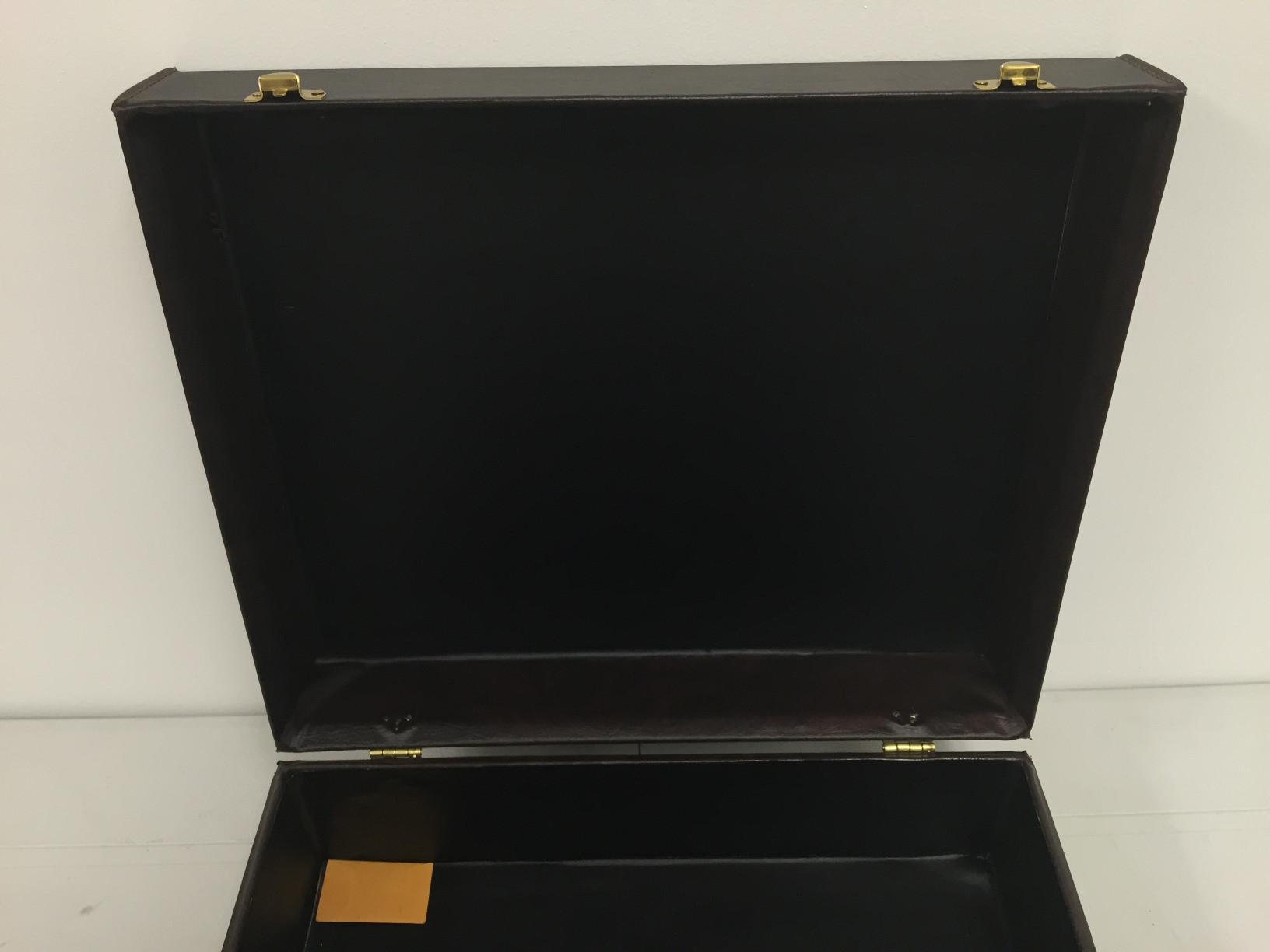 fs-brown-case-06